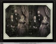 Miniaturansicht Vorschau von Gruppenbild (eine Frau und zwei Männer)