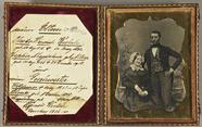 Thumbnail preview of Portrait eines Ehepaares vor gemaltem Hinterg…