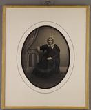 Thumbnail af Ganzporträt einer Frau mit weißer Haube, Unte…