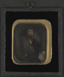 Visualizza Portrett av en mann med skjegg, ved et bord m… anteprime su