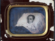 Visualizza Half plate post mortem of a man by Kips-de-Co… anteprime su