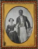 Esikatselunkuvan Three-quarter portrait of a couple näyttö