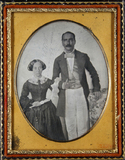 Stručný náhled Three-quarter portrait of a couple