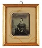 Visualizza Dreiviertelporträt einer unbekannten Dame mit… anteprime su