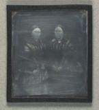 Visualizza Double portrait of two unidentified women anteprime su