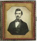 Visualizza Portret van een man met snor anteprime su