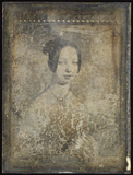 Thumbnail af Gemäldereproduktion einer jungen Frau mit Hal…