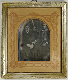 Visualizza Älterer Mann mit Kappe und seiner Tochter, di… anteprime su