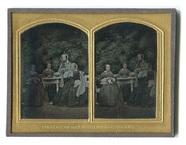 Visualizza Porträt einer Vierergruppe unbekannter Damen … anteprime su