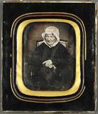 Visualizza Porträt einer alten Frau mit Haube und auffal… anteprime su