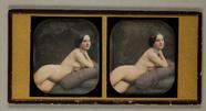 Visualizza Dreiviertelakt einer jungen Frau, auf violett… anteprime su