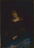 Visualizza Porträt von Agnes Bunke im schwarzem Kleid. anteprime su