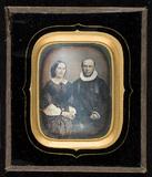 Visualizza Daguerrotypi av ukjent par, mannen er prest. anteprime su