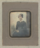 Thumbnail af Portrait of unidentified woman