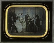 Visualizza Portrait de groupe devant la villa de Beaulie… anteprime su