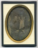 Visualizza Three quarter length portrait of mother and s… anteprime su