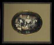 Visualizza Porträt von Ignatz Brücher und Familie. anteprime su