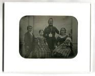 Visualizza Das Porträt zeigt die fünfköpfige Familie Heb… anteprime su