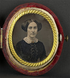 Thumbnail af Portrait de femme, en buste, de trois-quarts …