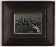Visualizza Portrait of seven people: child, child, man, … anteprime su