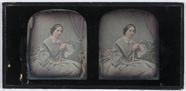 Visualizza portrait de femme assise tenant un éventail anteprime su