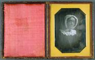 Visualizza Portrait einer Frau mit Brille, USA, vor 1845… anteprime su