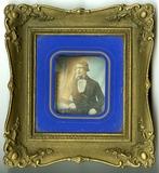 Visualizza Portrett av N. Andersen som ung mann, sittend… anteprime su