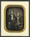 Visualizza Portrait de deux petits garçons au gilet à ca… anteprime su
