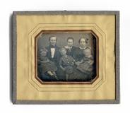 Miniaturansicht Vorschau von Mann und Frau mit 4 Kindern