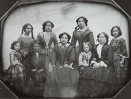 Visualizza portrait of the eight girls and young women, … anteprime su