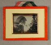 Visualizza Beleibte Dame in einer Kutsche, um 1841 (?), … anteprime su