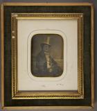 Forhåndsvisning av Halbporträt eines Mannes mit Chapeau claque u…