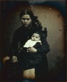 Visualizza Porträt einer jungen Frau mit Kind.  anteprime su