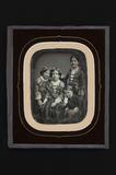 Visualizza Group family portrait of four children, three… anteprime su