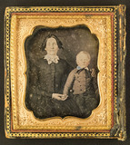 Miniaturansicht Vorschau von Portrait of an unknown woman and little boy