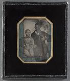 Visualizza Portrait of two children, a boy and a girl. O… anteprime su