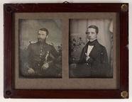 Miniaturansicht Vorschau von Bild 1 (links): Abgebildet ist ein Mann mittl…