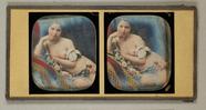 Thumbnail af Dreiviertelakt einer jungen Frau mit Draperie…