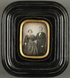 Visualizza Porträt eines Ehepaares, dreiviertel Ansicht.… anteprime su