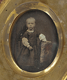 Visualizza portrait of a child from the Quincy family; s… anteprime su