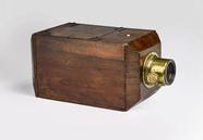 Visualizza Chamfered American daguerrotype camera anteprime su