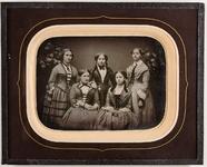 Visualizza Fünf unbekannte junge Frauen anteprime su
