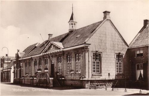 Gemeentehuis en politiebureau Rijsbergen