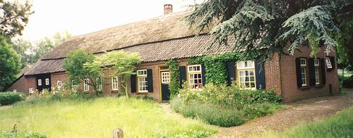 Voorzijde boerderij van Jan v.d. Boomen en Nel van Beek. Heistraat 52.