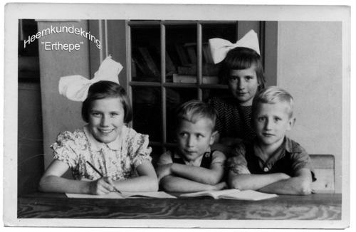 Schoolfoto kinderen vd Akker Voordijk