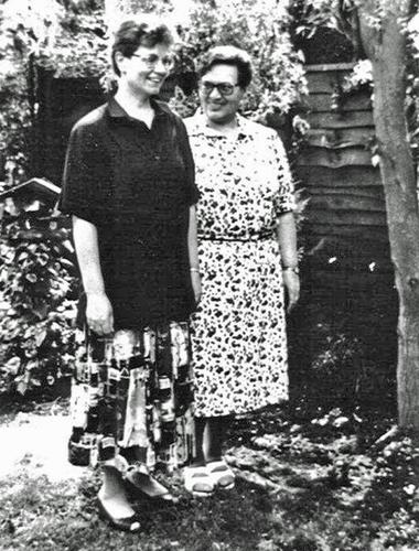 Zusters Lae en Maria Goretti van den Berg