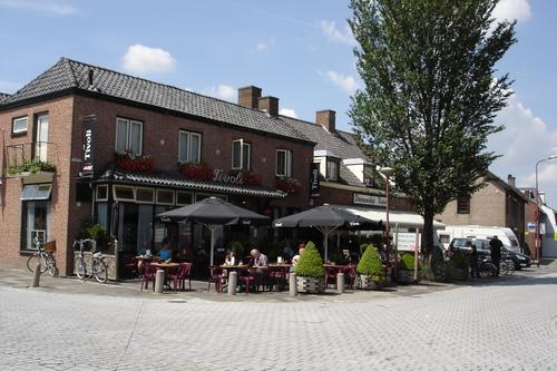 Café Tivoli met terras te Nispen
