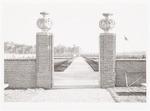 Ingang van de Russische erebegraafplaats op begraa...