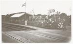 De spoorwegovergang met halte en restauratie bij d...