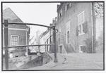 Muurhuizen 25 (Tinnenburg), 27, 29 enz., gezien va...